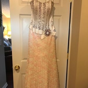 Size 6 Tony Bowls Pageant Gown